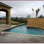 tn_1200_Custom_Designed_Pools_c.jpg