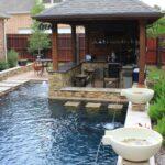 Swim-Up-Pool-Bar-Ideas-08-1-Kindesign